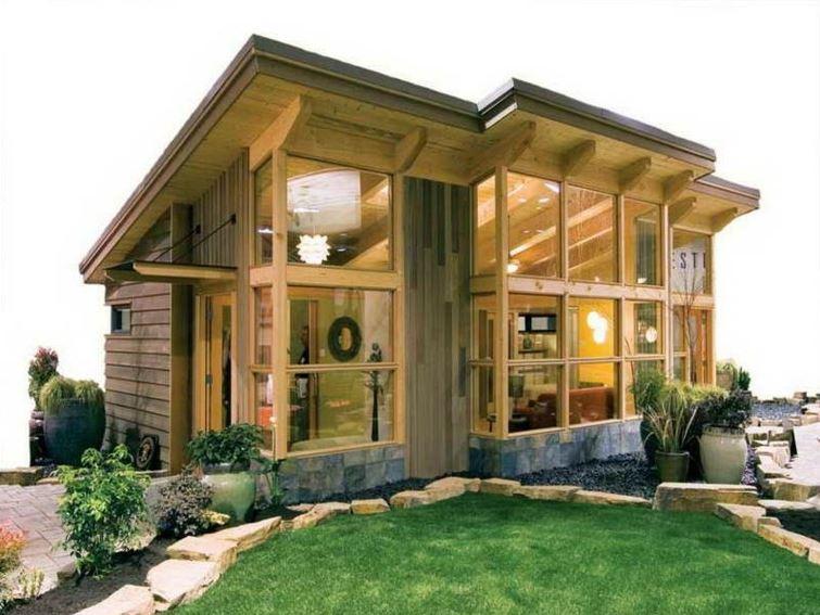 Fachadas de casas de madera muy peque as for Casas de madera pequenas