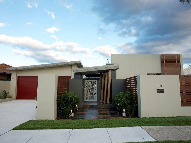 Fachadas de casas sin ventanas for Fachadas de ventanas para casas modernas