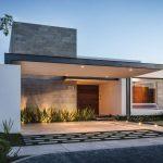 Casa lujosa con puerta amplia