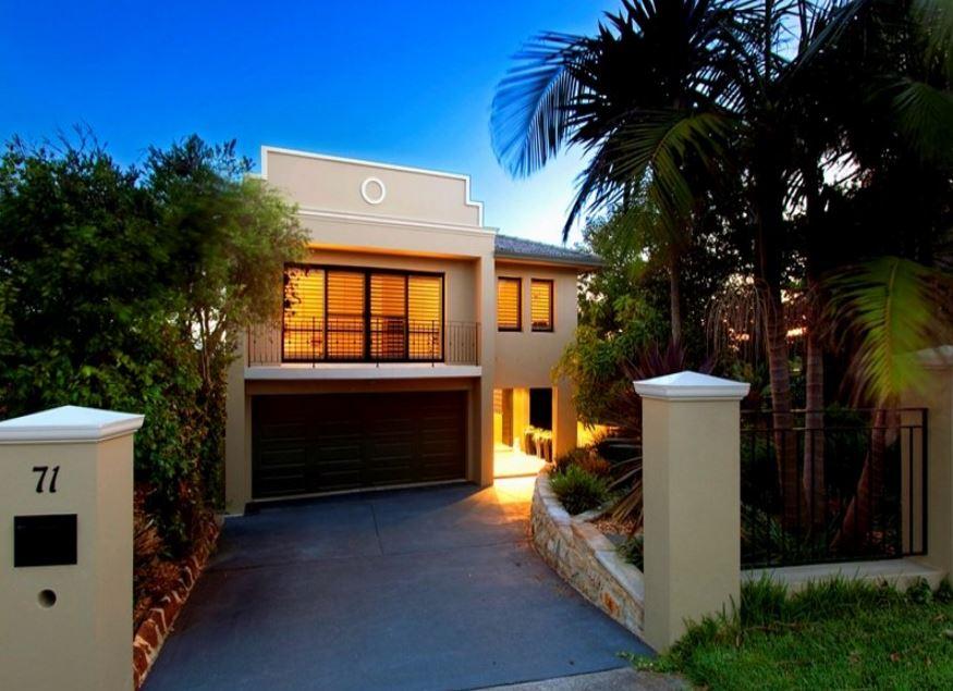 Fachadas de casas modernas con doble cochera for Modelo de fachadas de viviendas