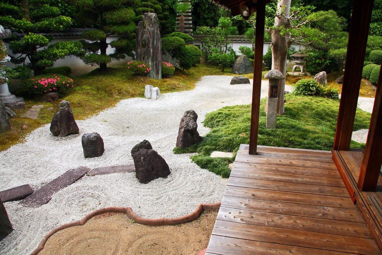 vamos entonces a nombrar la arena la roca y la grava para comenzar tambin pueden ir acompaados de algunas hierbas y una figura de buda