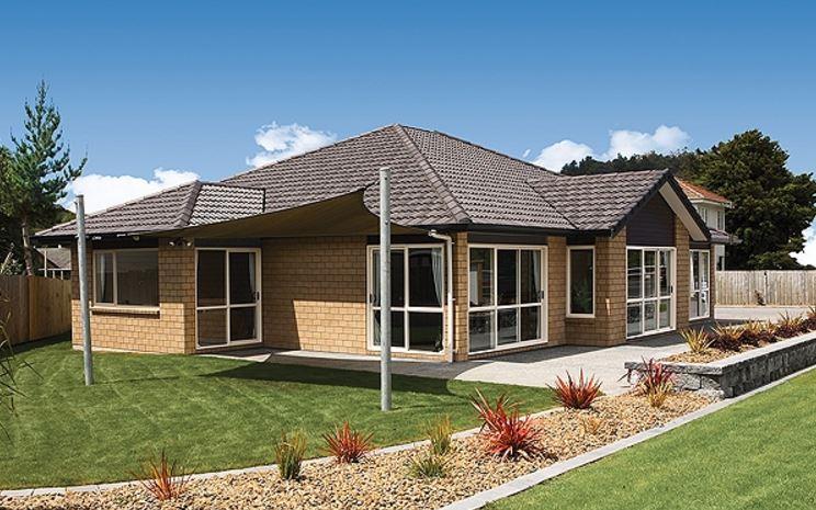 Fachadas con techos a 4 aguas for Fachadas de casas estilo campo