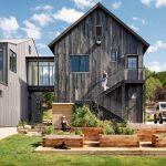 Casa angosta de madera