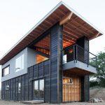 Casa de madera alta