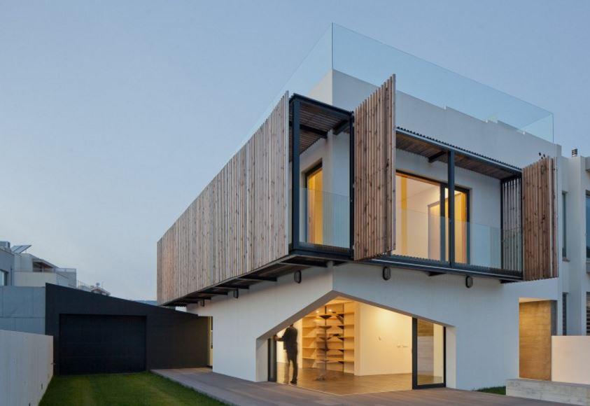 Fachadas con parasoles for Fachadas de ventanas para casas modernas