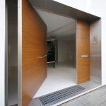 Puertas principales modernas de madera – 10 Diseños Hermosos