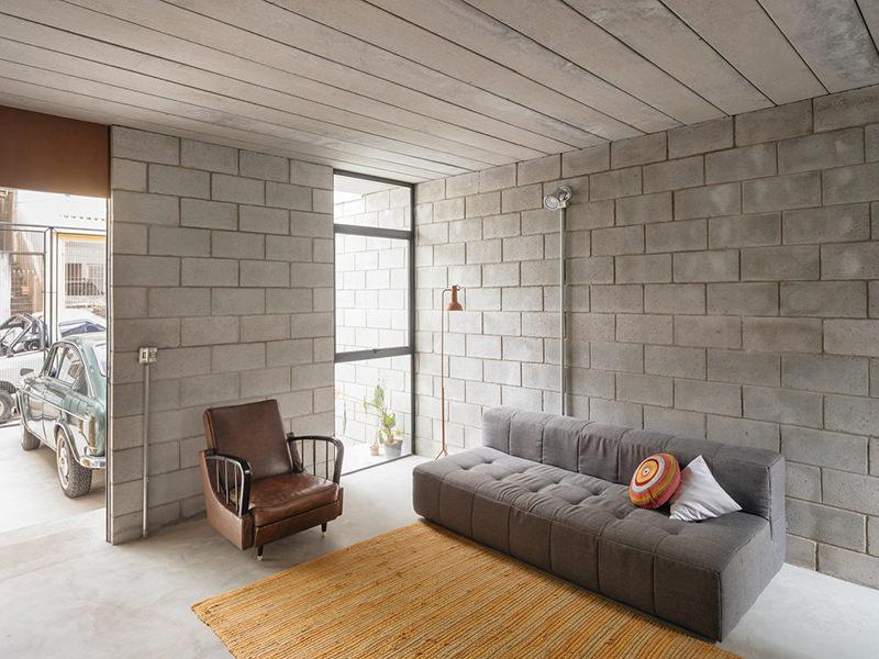 Fachadas de casas con ladrillos block for Cuanto sale hacer una piscina de cemento