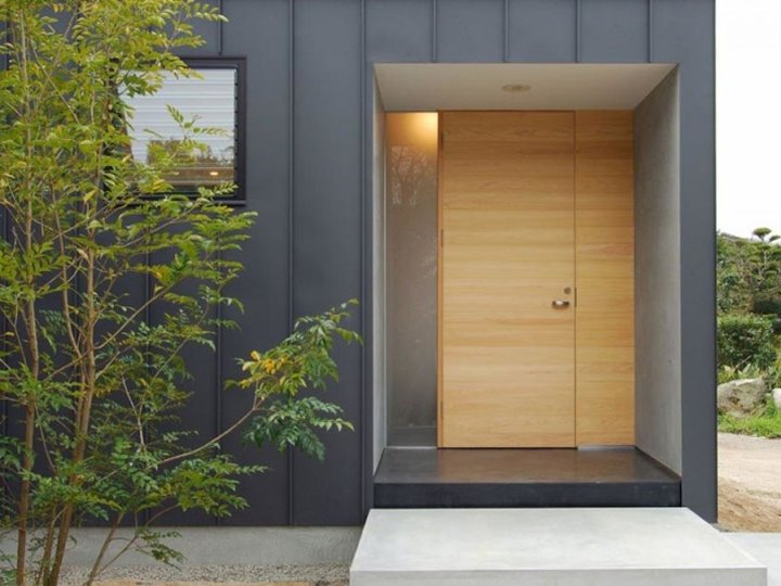 25 fotos puertas modernas para casas for Modelos de puerta de madera para casa