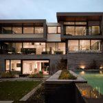 Fachada de casa de 3 plantas muy moderna