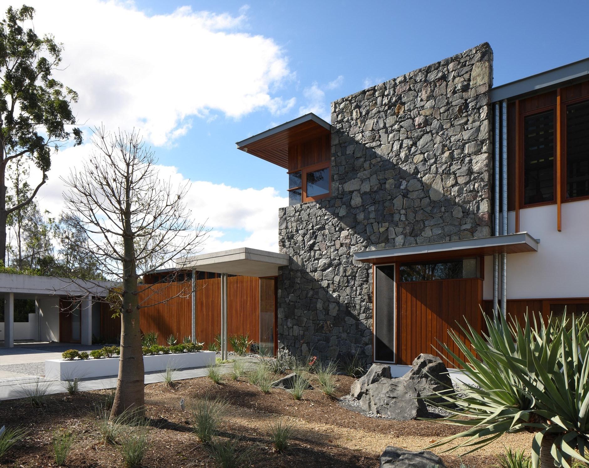 Fachadas con madera y piedra - Propiedades piedras naturales ...
