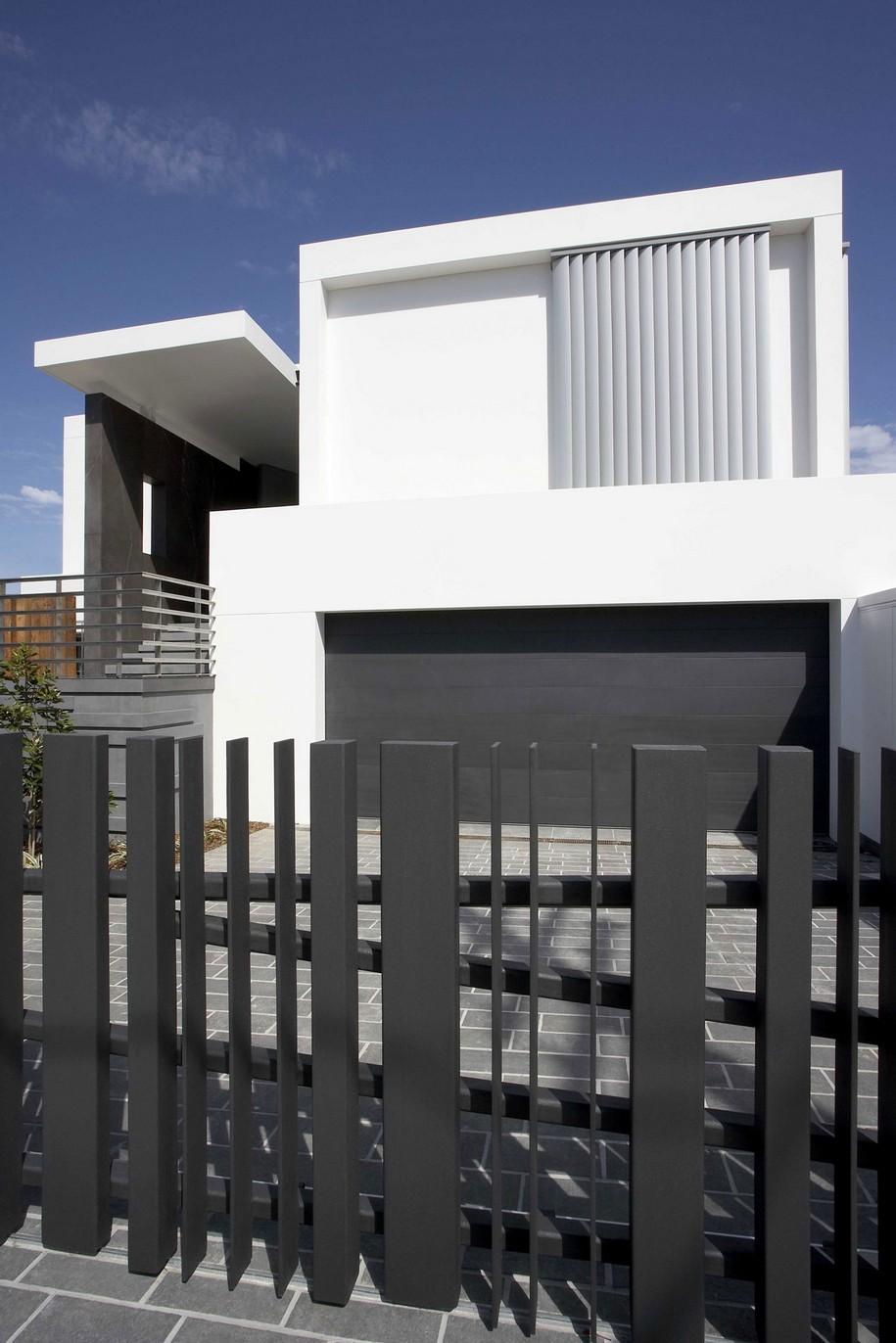 Fachadas con rejas for Disenos para frentes de casas