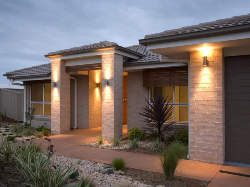 Fachadas con techos a 4 aguas for Cubiertas para techos de casas