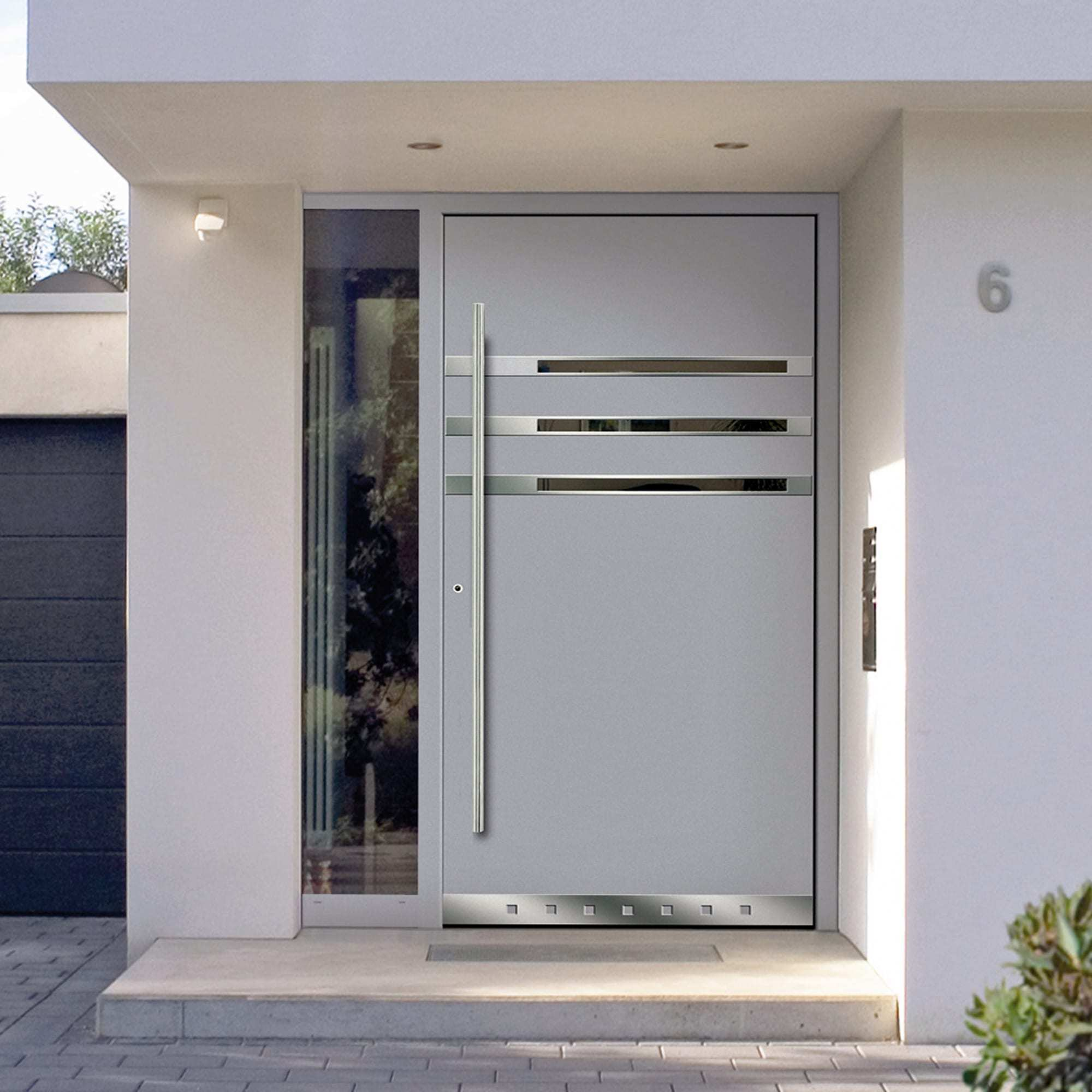 Puertas de aluminio para fachadas for Disenos de puertas en madera y vidrio
