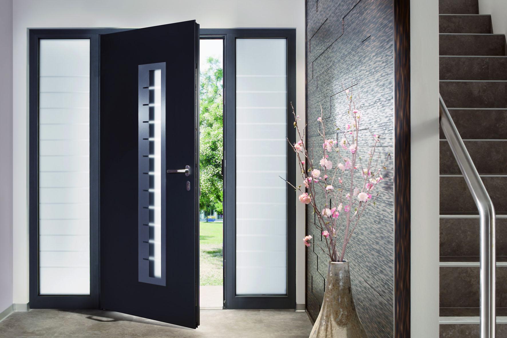 Fachadas con aberturas de aluminio for Disenos puertas de madera exterior