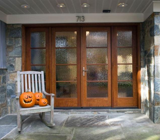 Puertas modernas for Casas con puertas de vidrio