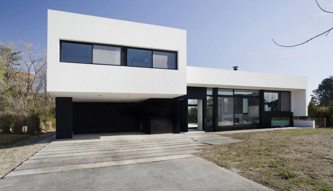 Fachadas de casas con ventanas horizontales for Casas alargadas