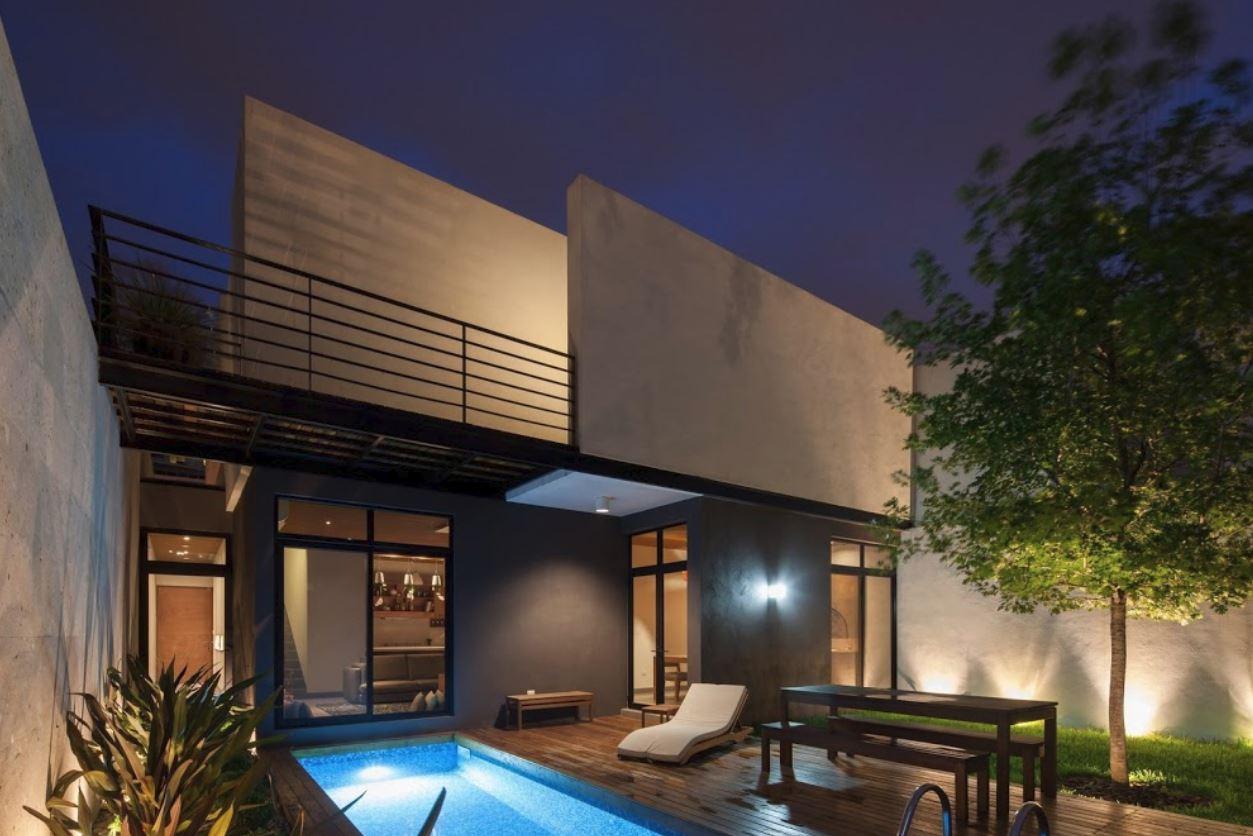 Modelos de rejas para fachadas for Casa con jardin al frente