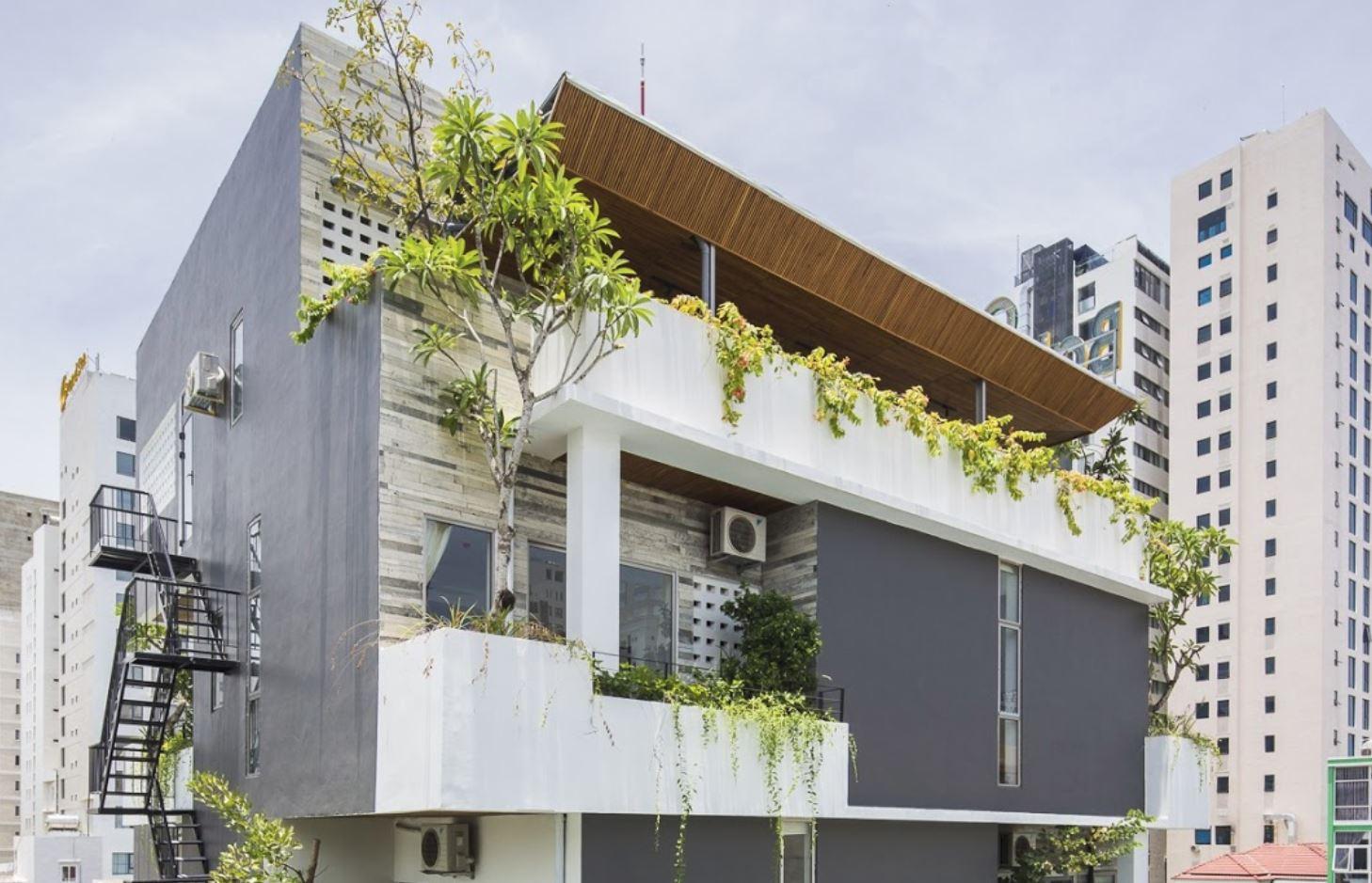 Fachada con balcon for Balcones con plantas
