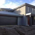 5 Fachadas de casas modernas en gris y negro