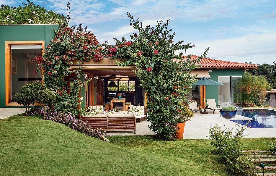 Fachadas de casas modernas con pileta for Casas de campo modernas con piscina y jardin