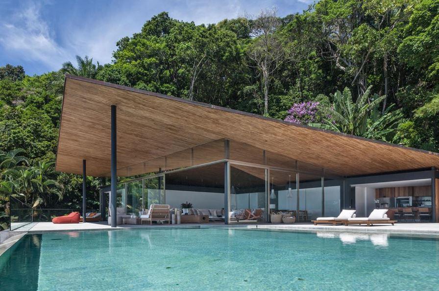 Fachadas de casas modernas con pileta for Modelos de piscinas modernas