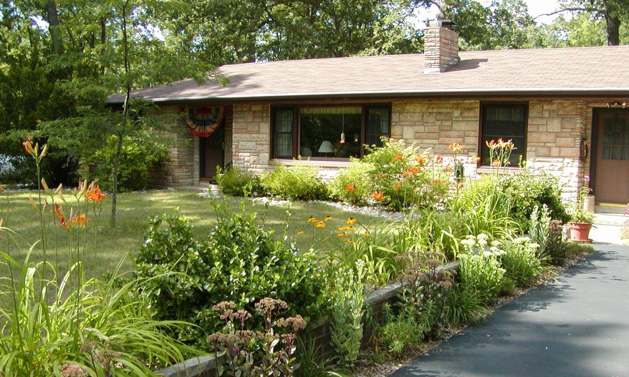 Fachadas con jardin for Modelos jardines para casas pequenas